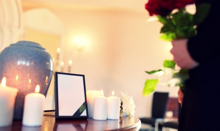 urn at cremation service